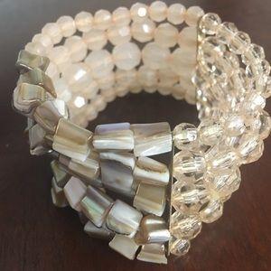 Jewelry - Classy stretchy bracelet with imitation abalone